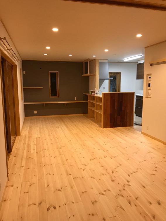 〈大工と1 級建築士が創る家づくり〉 高断熱と無垢材の丈夫な家