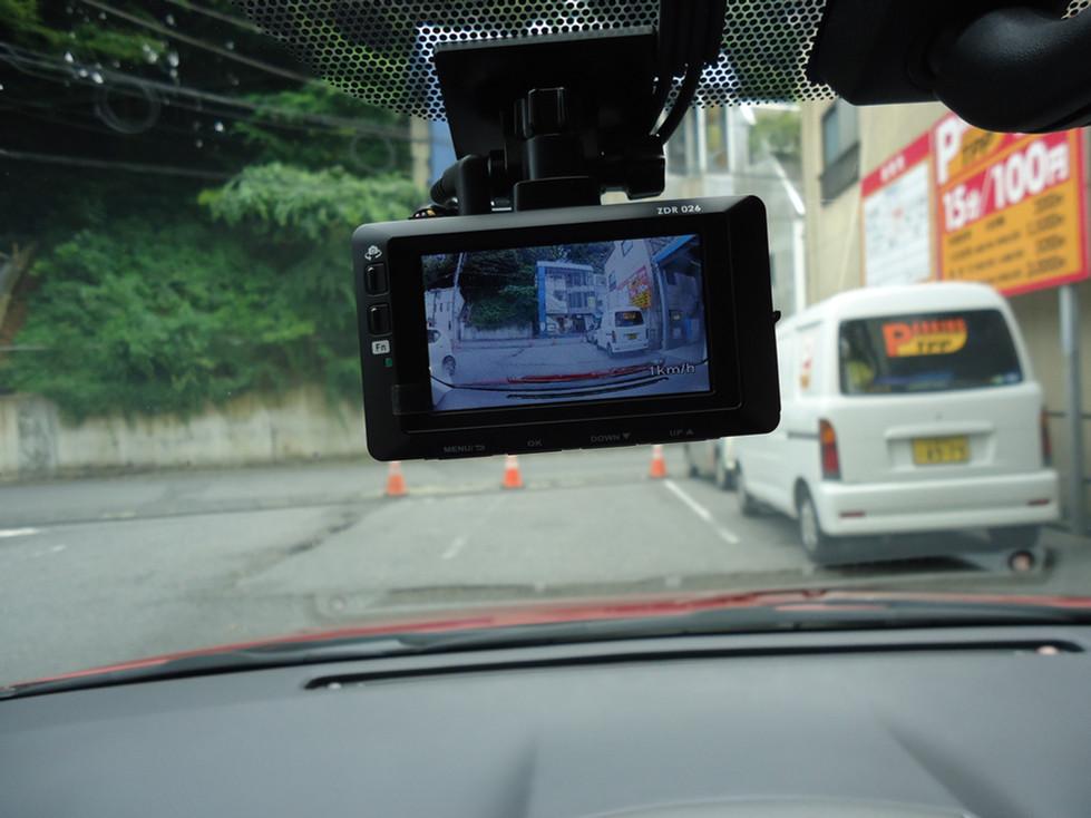 ドライブレコーダー標準装備