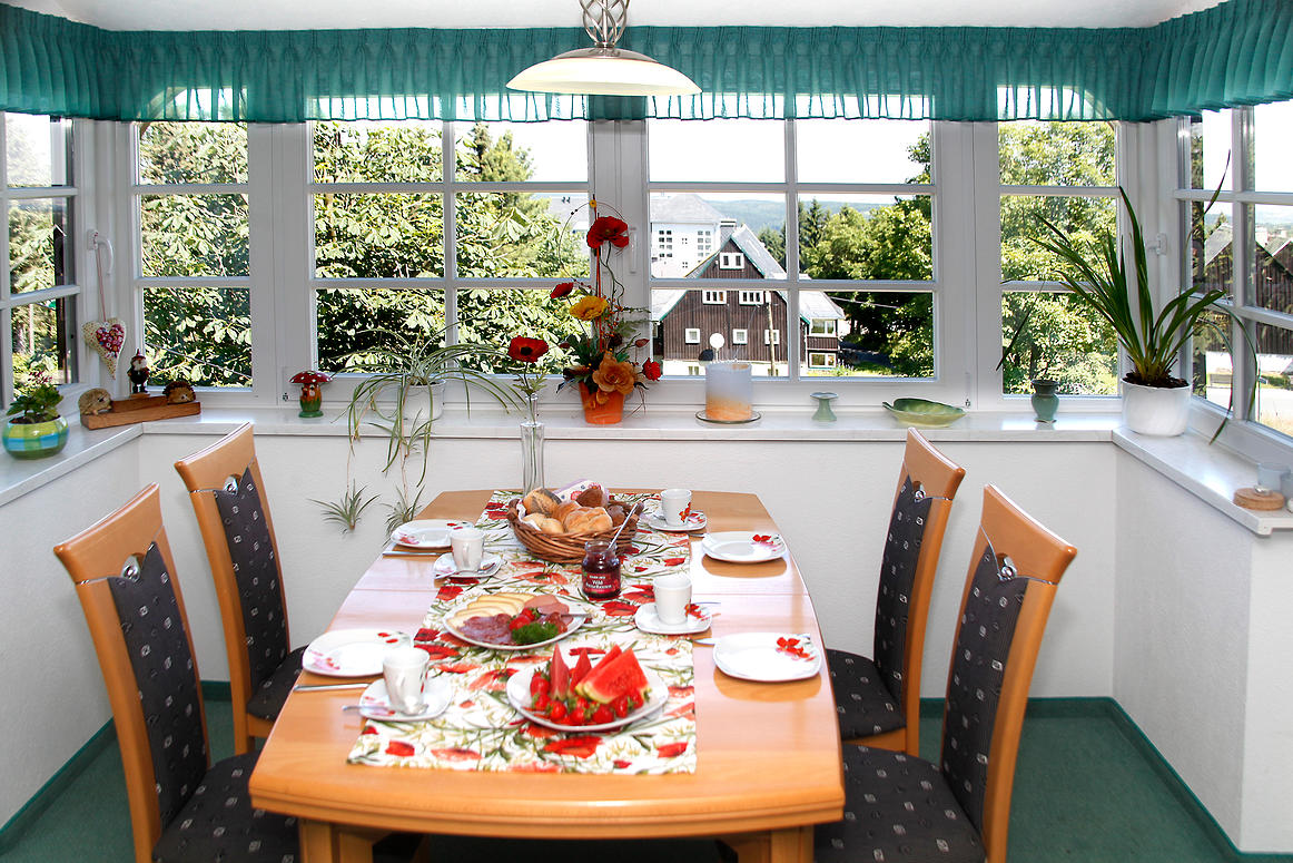 Villa-Marie Oberbärenburg Tisch