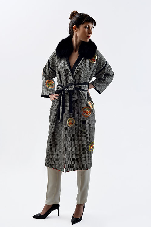 Fur collar and  embroidery shibori Kimono