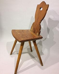 Chairs_0000_WoodenChair.jpg