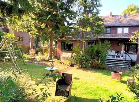 *NEU* Gehrden – Top Lage am Wald – stilvolles Haus als DHH auf wunderschönem Grundstück