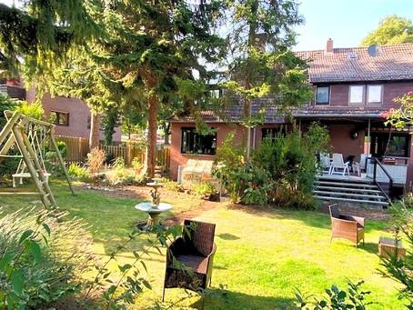 -VERKAUFT- Gehrden – Top Lage am Wald – stilvolles Haus als DHH auf wunderschönem Grundstück