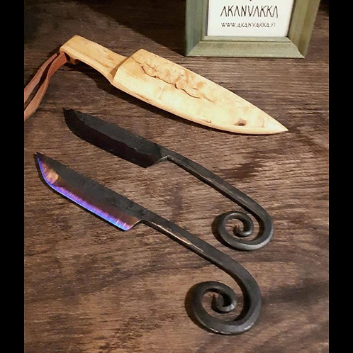 Emännänveitsi ja puutuppi - Blacksmith's Knife in wooden sheath