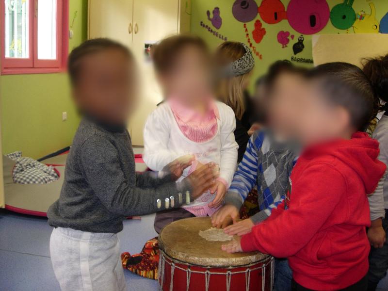 découverte des percussions maternels