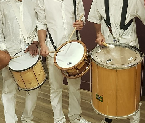 instruments brésiliens carnaval.jpg