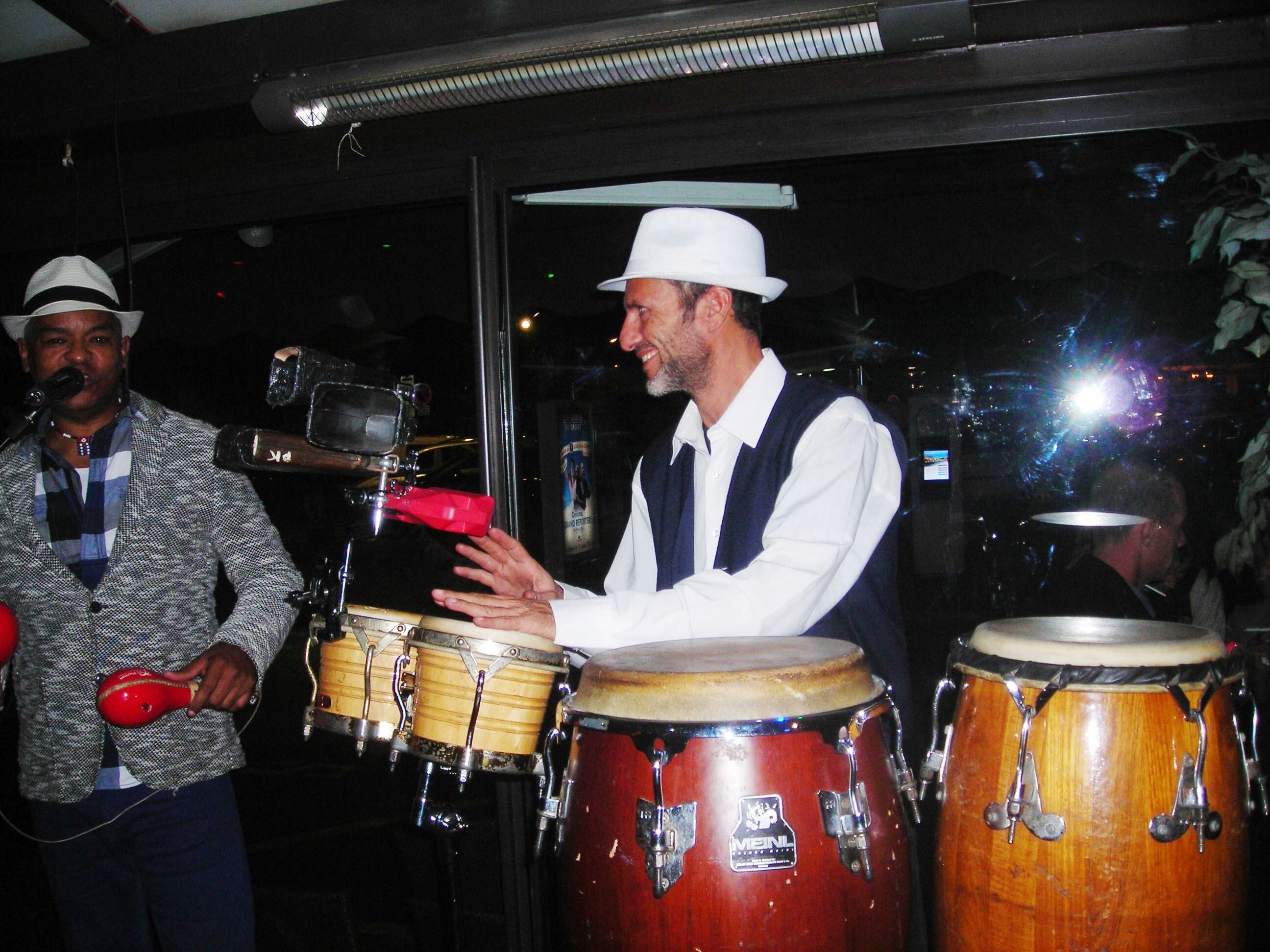 duo cubano son- salsa