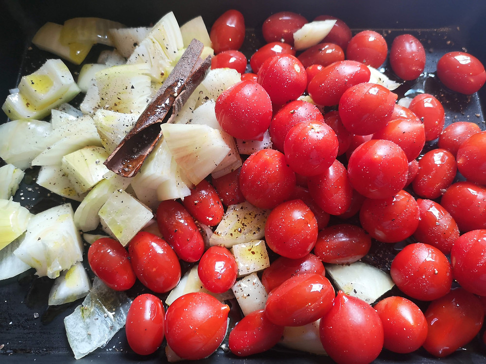 Onions and Cherry Tomatoes with Cinnamon