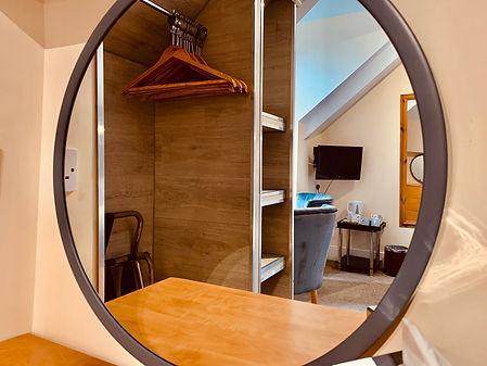 r27 mirror.jpg