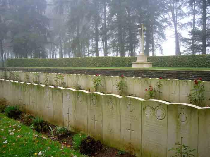 Hawthorne Ridge cemetery, Auchonvillers