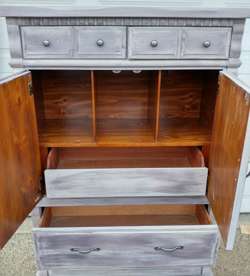 Tallboy dresser