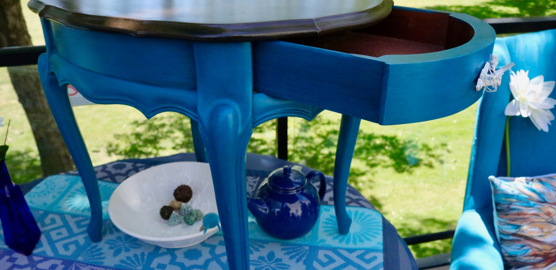 Teal table