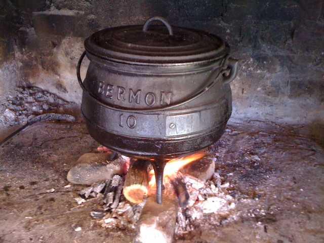 Cena. Cazuelas. Open flame stew