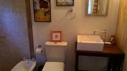Baño habitación doble. Oeste.