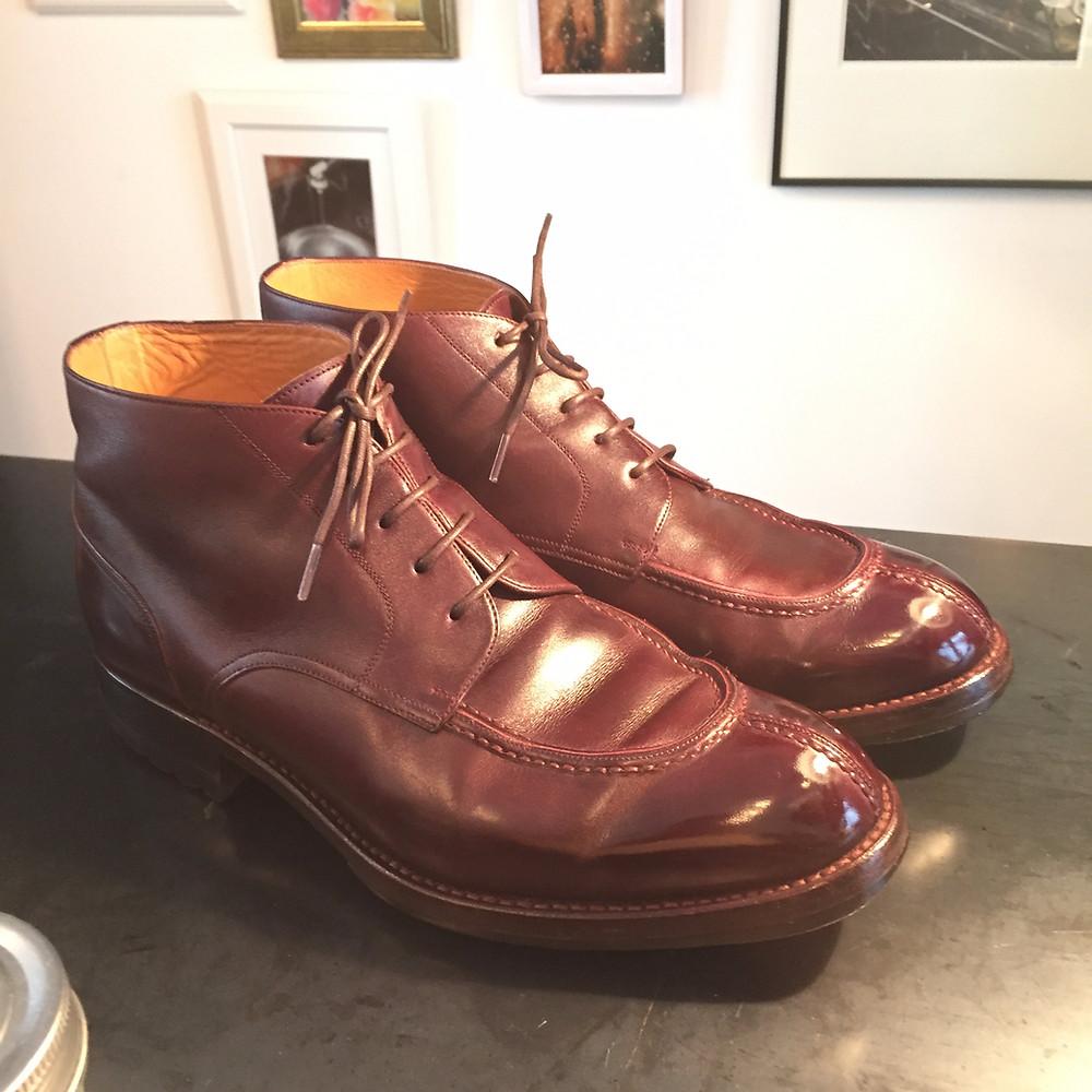 靴磨き 鏡面仕上げ2