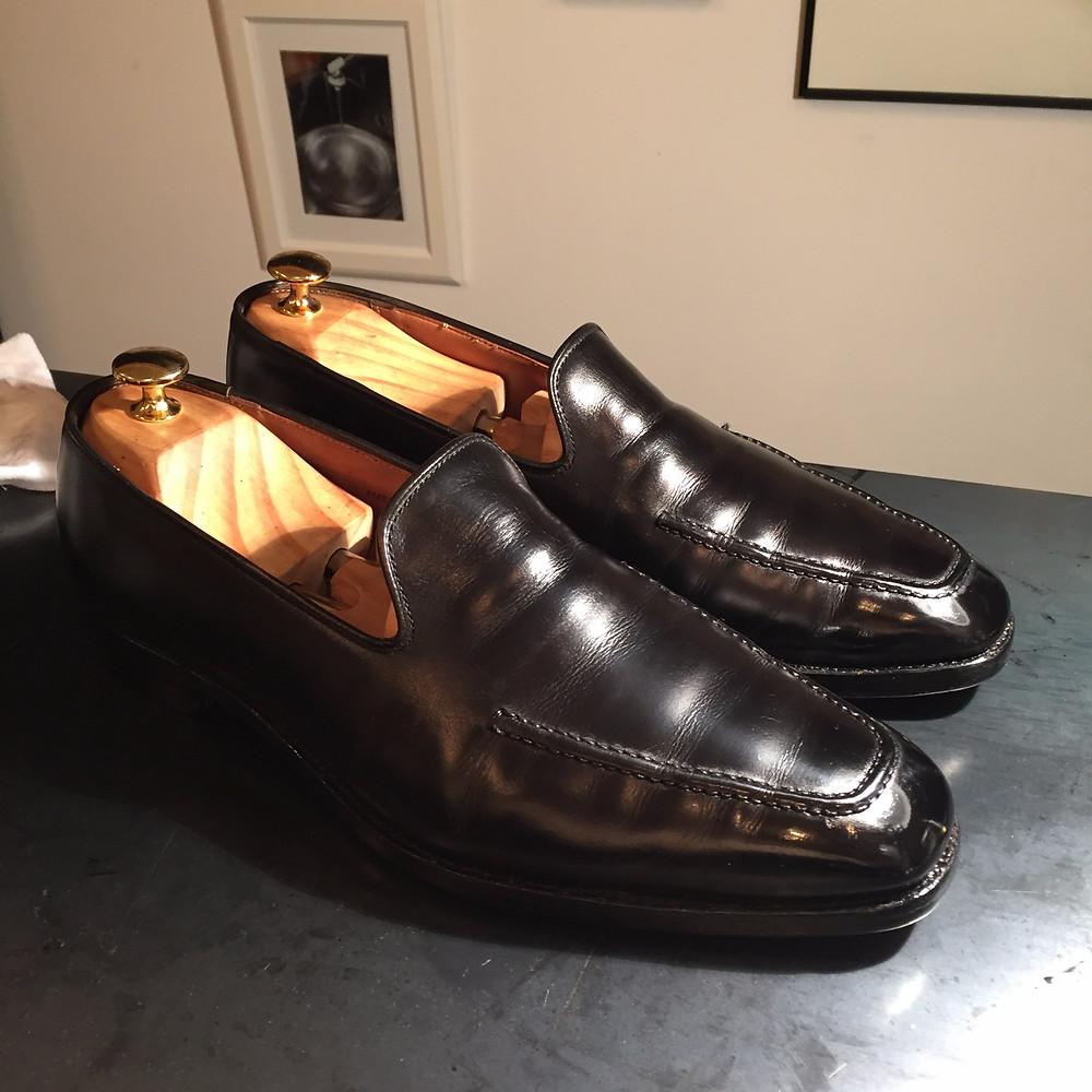 靴磨き 鏡面磨き