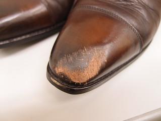 見る人が見れば信用を失う靴