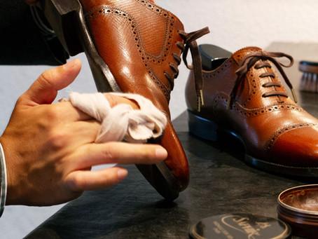 初心者にもわかりやすい応用編!革靴の鏡面磨きの手順・必要なセットについて解説します!