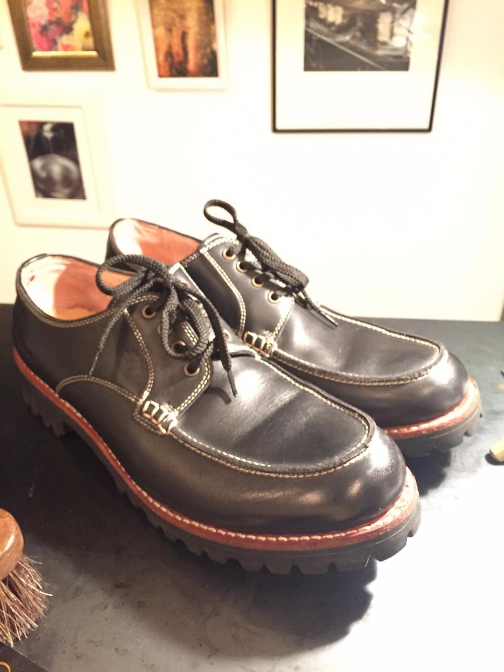 靴磨き カビ除去After