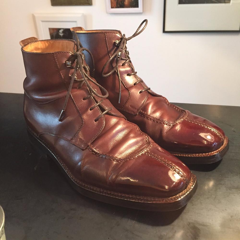 靴磨き 鏡面仕上げ1