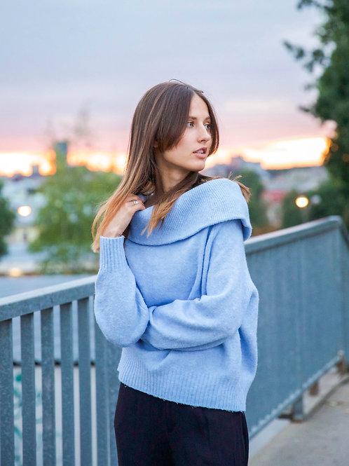 Soft kitten's sweater