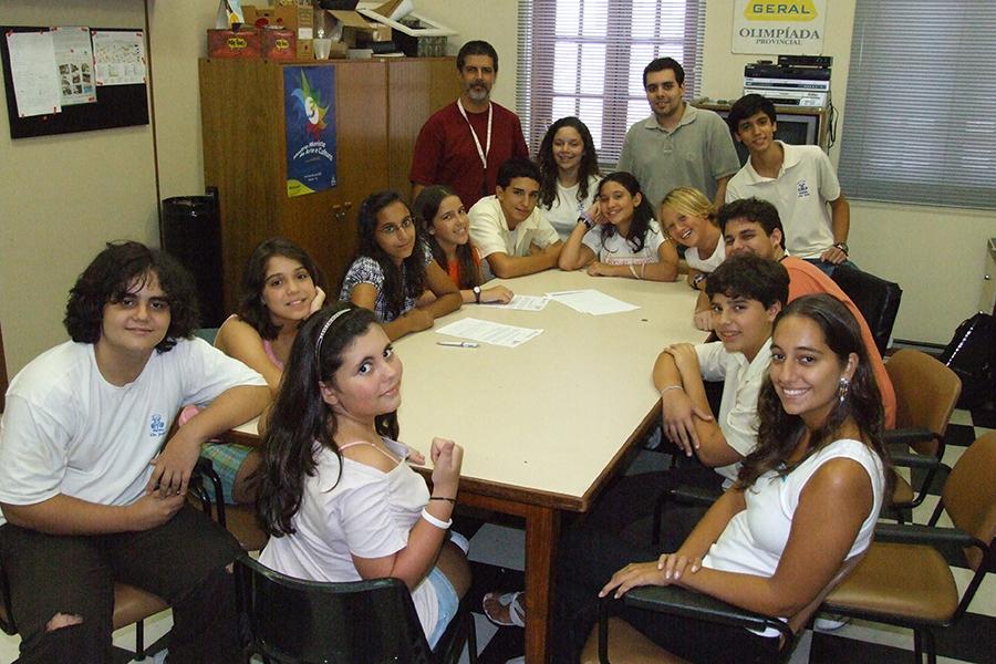Reunião com equipe de alunos