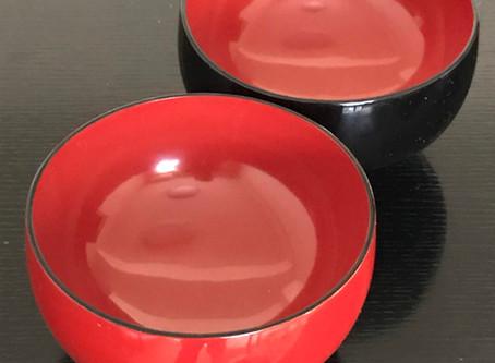 塗椀の赤と黒