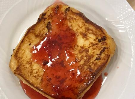苺シロップでフレンチトースト