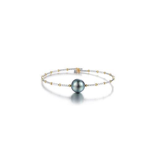 Pluto Bangle - 18kt Gold Tahitian pearl