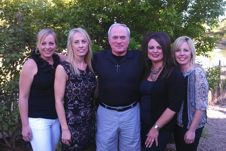 "Ty Bailey with his 4 grown daughters / ""State of the Family Union"" Meetings / www.HoneycombOasis.com"