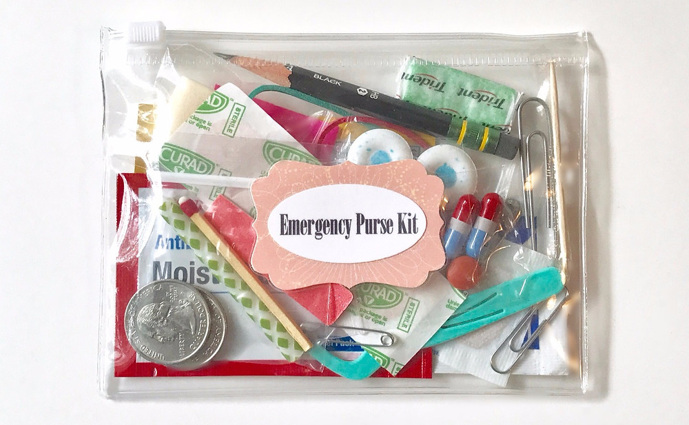 Emergency Purse Kit / ABC Book to Make at a Baby Shower / www.HoneycombOasis.com