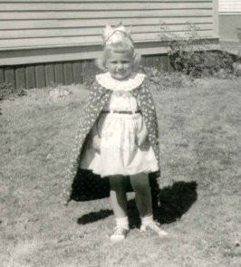 """Princess Barbara"" at age 4 in yard / Are You a Princess? / www.HoneycombOasis.com"