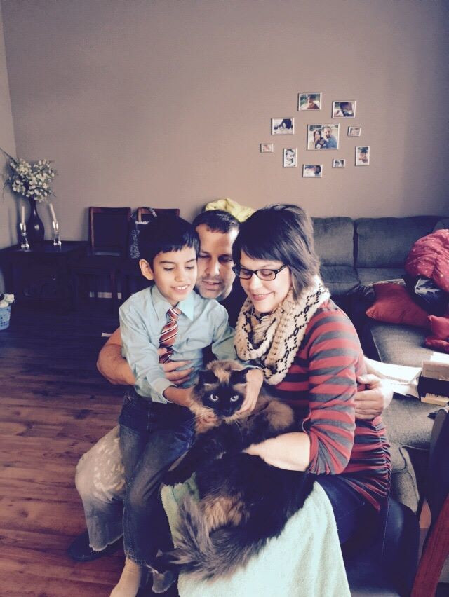 Jonah, Tory & Chrissy / Memorial Service for a Beloved Cat / www.HoneycombOasis.com