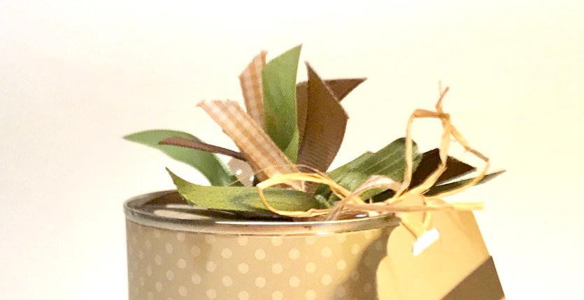 Top of tan and green Baby Can / Gift-in-a-Can: Decorating It  (Part 3) / www.HoneycombOasis.com