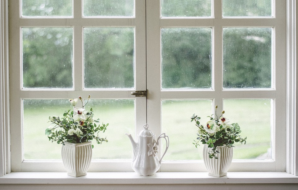 White paned window with flowers on the sill / Mini Quiet Times with an Alzheimer's Patient / www.HoneycombOasis.com