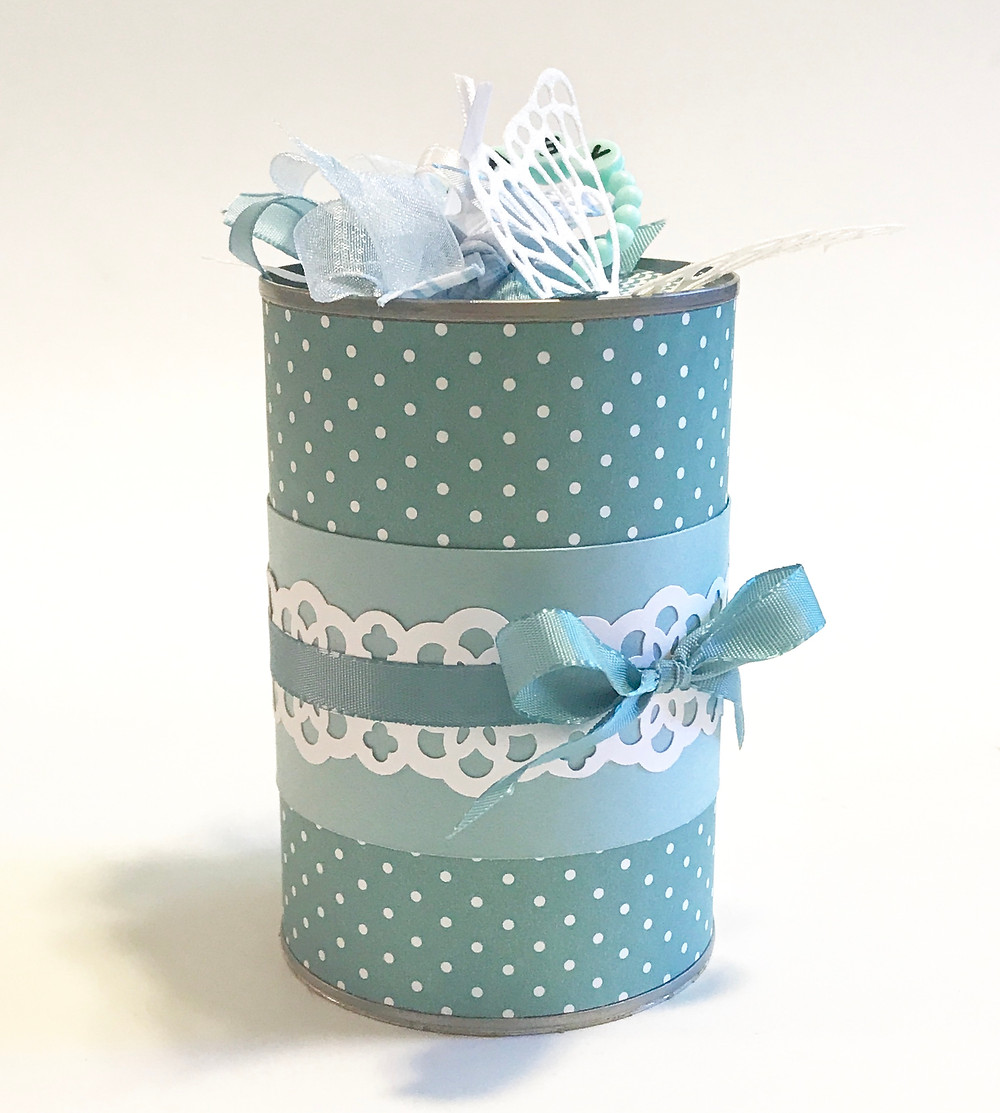 Baby Gift in a Can / Gift-in-a-Can: Decorating It  (Part 3) / www.HoneycombOasis.com
