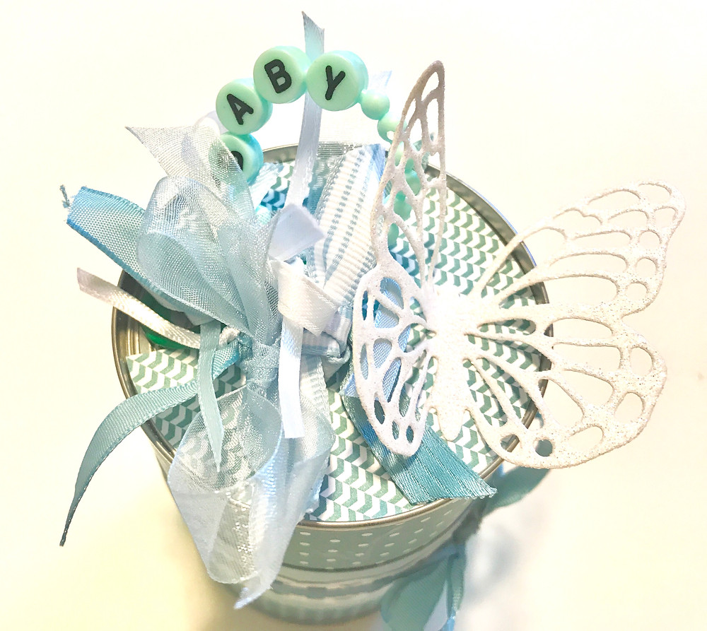 Top of blue, green & white Baby can / Gift-in-a-Can: Decorating It  (Part 3) / www.HoneycombOasis.com