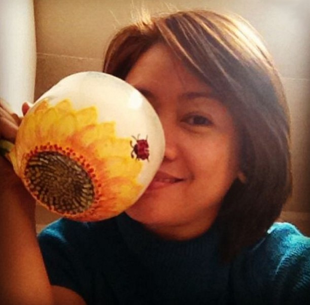 Artist of sunflower mug prototype, Julie Foster / www.HoneycombOasis.com