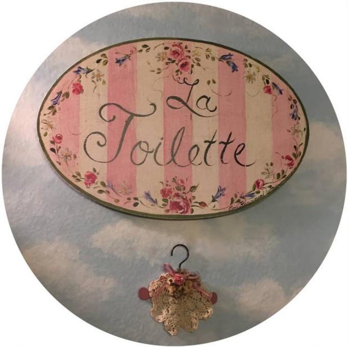 La Toilette plaque  / A Dozen Rosey Life Lessons / www.HoneycombOasis.com
