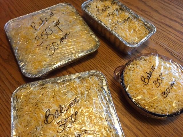 4 casseroles - Make a Thanksgiving Memories Casserole! / www.HoneycombOasis.com