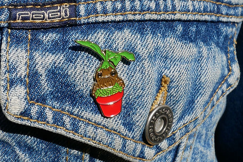 Mandrake Root Pin