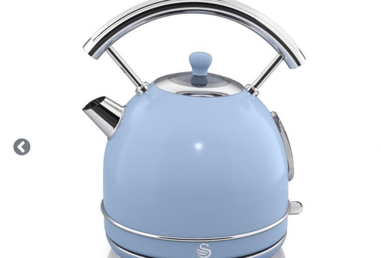 Swan retro baby blue dome kettle