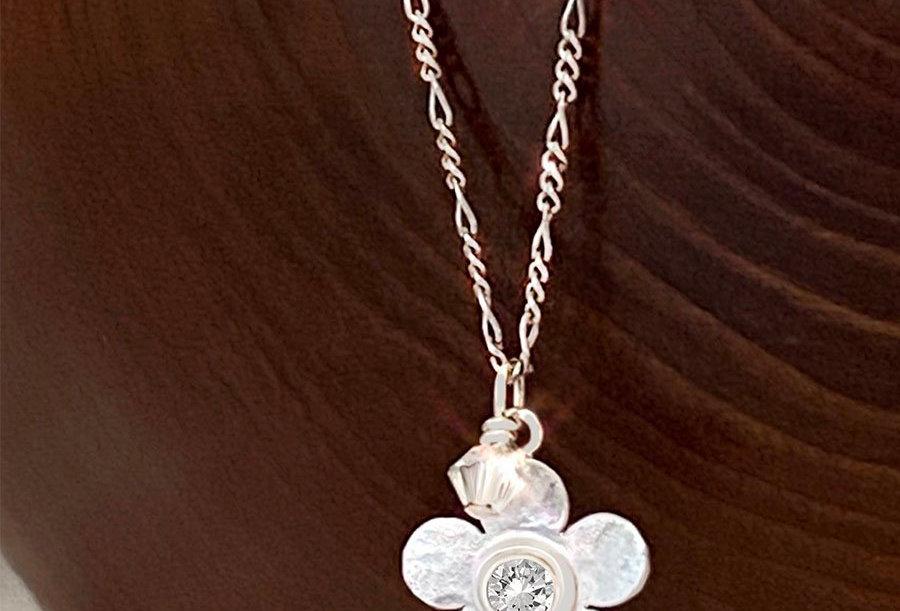 Simple Floral Necklace