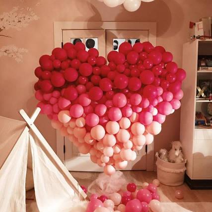 Balloon Heart Wall Theme Set Up.jpg