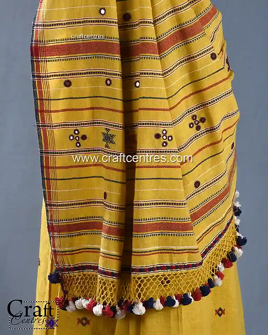 Hand Embroidery Saree Online