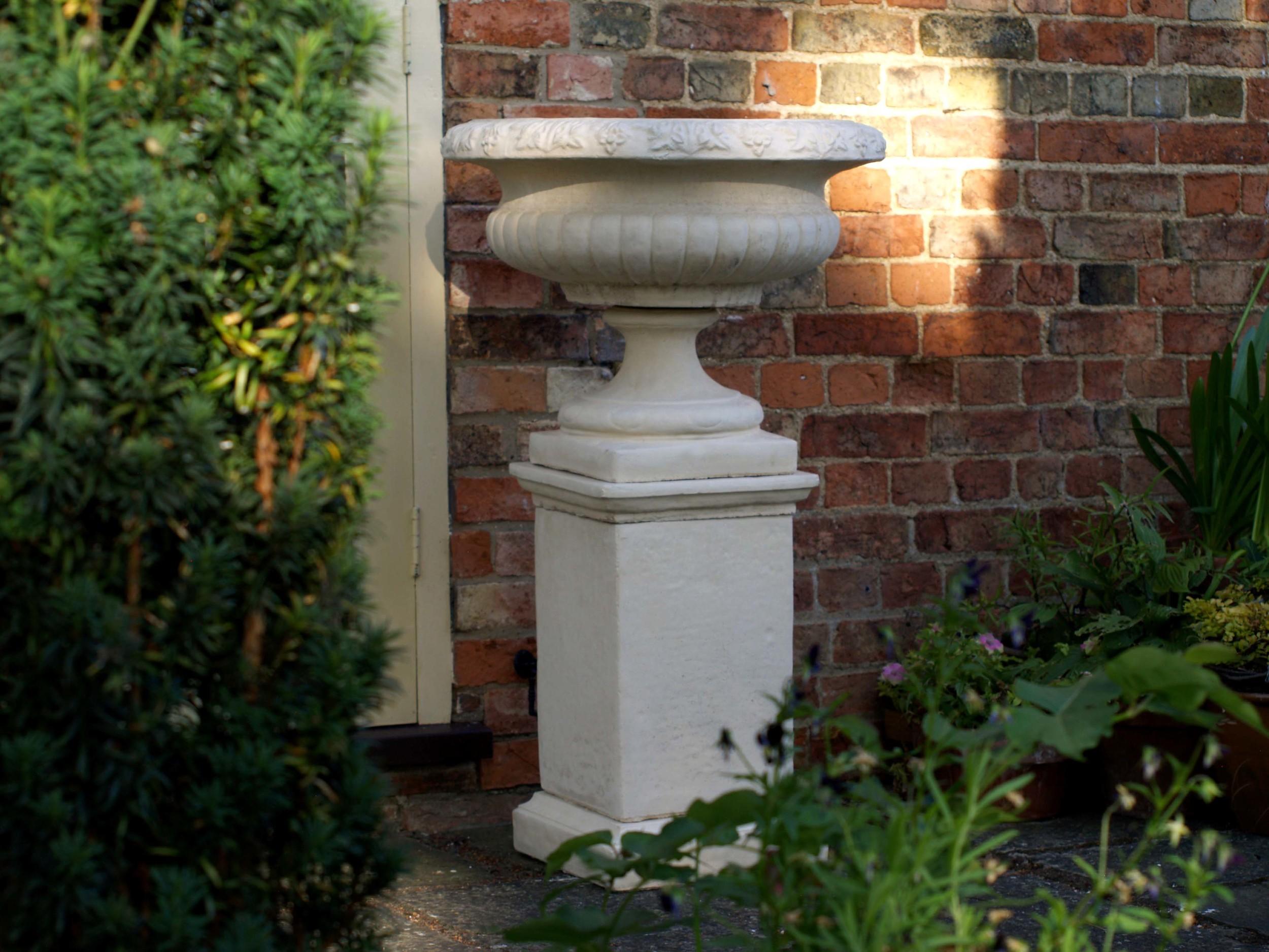 chatsworth plinth