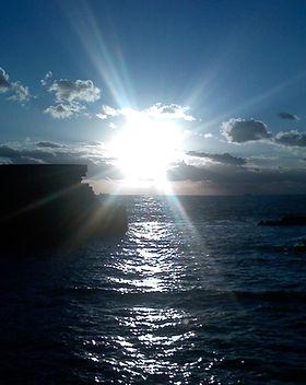 Sonnenuntergang über dem Meer in Akko / Israel als Cover für die Klangmeditation Reality Creation