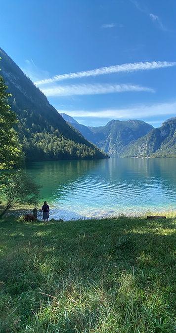 Der kristallklare Königssee für die kraftvolle Wirkung von Naturaufnahmen und Klangschalen.