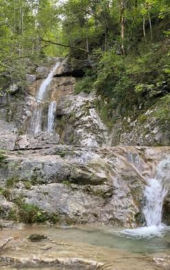 Der Wasserfall des Königsbachs im Sommer