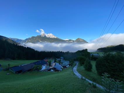 Blick vom Ferienhaus Sottung im Berchtesgadener Land auf den Watzmann